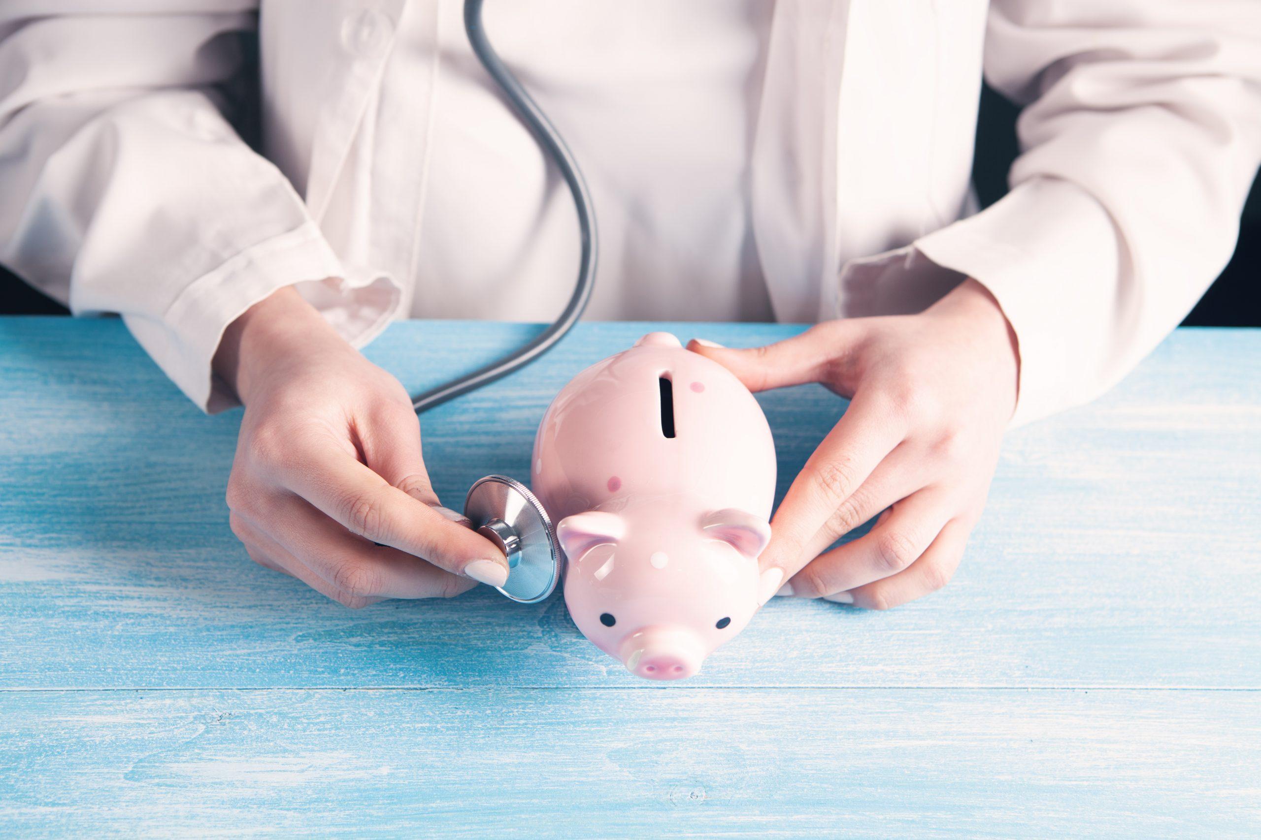 Reajuste negativo: entenda a redução na mensalidade nos planos de saúde